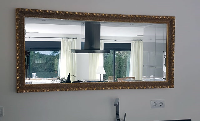 Spiegel mit Massivholz Rahmen 900 Watt